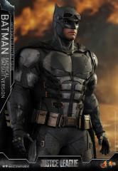 Hot Toys MMS432 Justice League  1/6th scale Batman (Tactical Batsuit Version) Collectible Figure