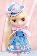 Takara CWC Exclusive Shop Limited Blythe Doll: Junie Moon Home Sweet Home