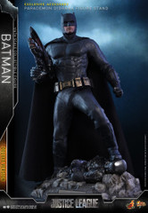 Hot Toys MMS456 Justice League Batman (DELUXE VERSION) 1/6th scale collectible figure