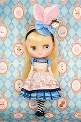 "Takara 8"" NEO CWC Middie Blythe Doll Pebble Cake and Shrinking Alice"