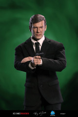 DiD RM001 1/6 Roger Moore Officially Licensed Action Figure
