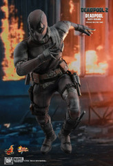 Hot Toys MMS505 Deadpool 2 Deadpool (Dusty Version) 1/6th Scale Collectible Figure