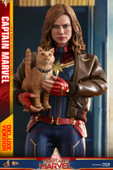 Hot Toys MMS522 Captain Marvel - 1/6th scale Captain Marvel (Deluxe Version) Collectible Figure