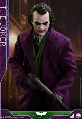 Hot Toys QS010 The Joker 1/4 scale Collectible Figure The Dark Knight