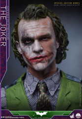Hot Toys QS010 The Joker 1/4 scale Collectible Figure The Dark Knight Special Version