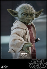 Hot Toys MMS495 Yoda Star War Episode II Attack of the Clones 1/6th scale Collectible Figure