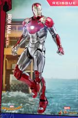 Hot Toys MMS427D19 Iron Man Mark XLVII