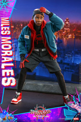 Hot Toys Miles Morales MMS567  Spider-Man: Into the Spider-Verse - 1/6th scale Collectible Figure