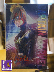 Hot Toys MMS521 Captain Marvel 1/6th scale Captain Marvel Collectible Figure