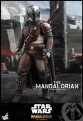 Hot Toys TMS007 The Mandalorian: The Mandalorian 1/6 Figure