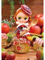 Middie Blythe Apple Jamlicious  by Takara Tomy