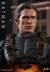 Hot Toys Batman Begins Batman 1/6th Scale Collectible Figure MMS595