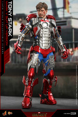 Hot Toys Iron Man 2 - 1/6th scale Tony Stark (Mark V Suit up Version) Standard Version MMS599