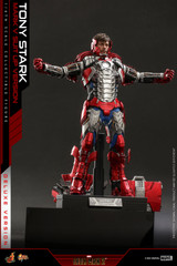Hot Toys Iron Man 2 - 1/6th scale Tony Stark (Mark V Suit up Version) Deluxe Version MMS600