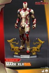 Hot Toys QS008 Iron Man 3 1/4th scale Mark XLII Deluxe Version Re-Issue
