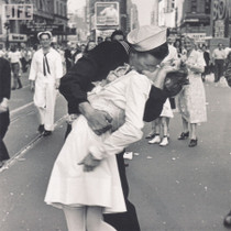 Times Square Kiss Greeting Card - Life