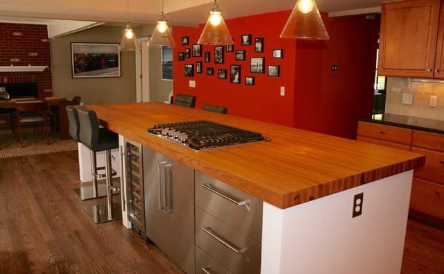 edge-grain-hard-maple-butcherblock-countertop.jpg
