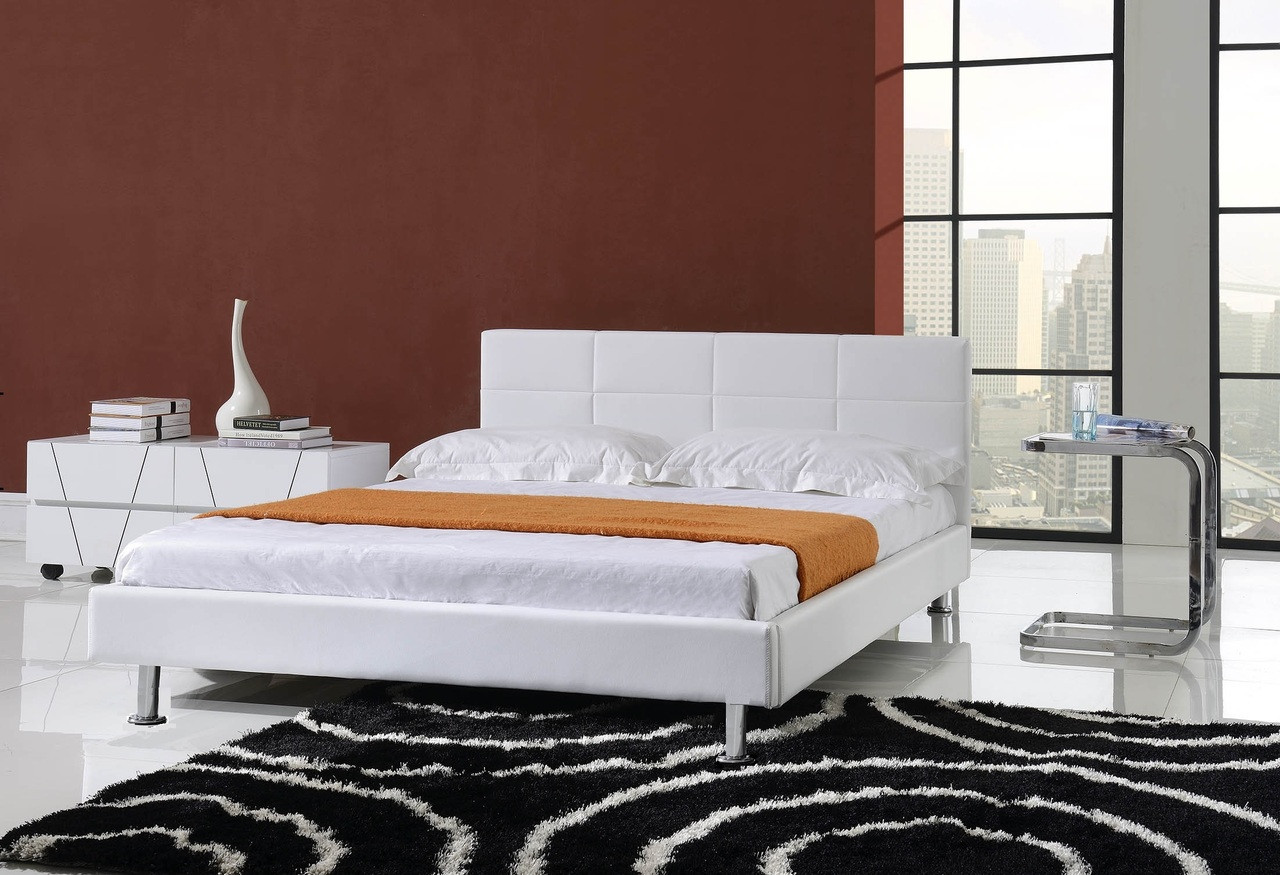 Picture of: Modern Pu Leather Platform Bed Black And White High Sun Mattress