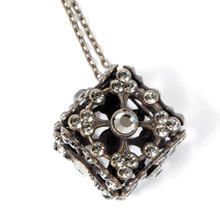 Neo.Classic 04 (Necklace)
