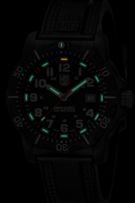 Luminox Black Ops Carbon-8881