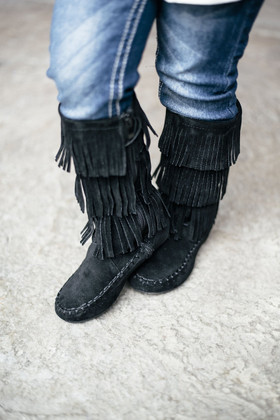 Girls Moccasin Fringe Boot Black