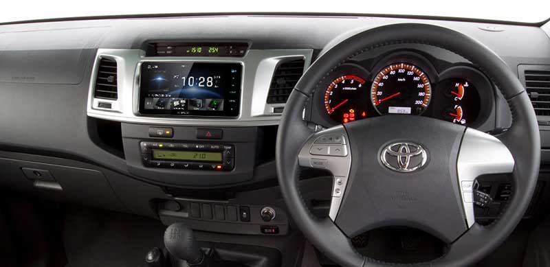 kenwood-ddx918ws-2-din-200mm-installed-hilux-frankies.jpg