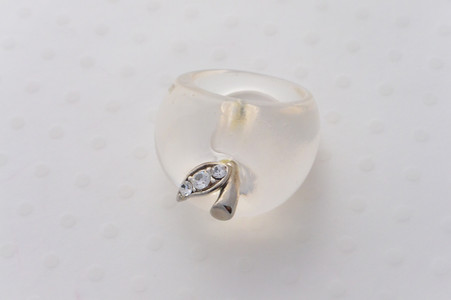 Apple Ring Clear with a Rhinestone Embelished Leaf