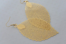 The Leaf Earrings in Gold