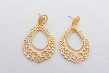 Dainty Gold Filigree Earrings