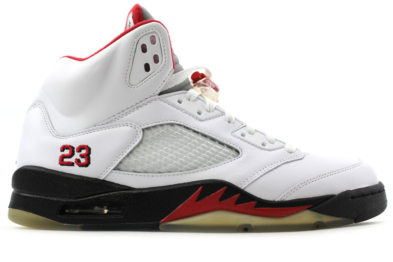 052acd1d48a8 ... AIR JORDAN 5 RETRO CDP (SIZE 14). Image 1. Loading zoom