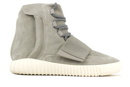 YEEZY 750 BOOST (SIZE 9)