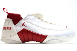 AIR JORDAN XV (15) LOW VARSITY RED