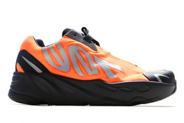 YEEZY 700 MVN KIDS ORANGE