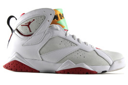 AIR JORDAN 7 RETRO HARE 2015 (SIZE 7.5)