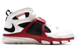 NIKE ZOOM HUARACHE TR MID LARRY FITZGERALD (AUTOGRAPHED)