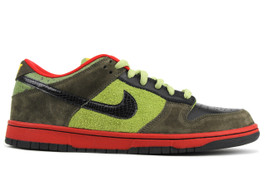 NIKE DUNK LOW ASPARAGUS (SIZE 10.5)