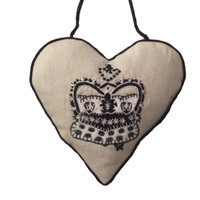 Regal crown Lavender Heart