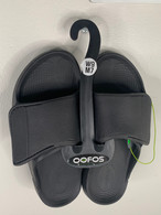 OOfos OOaah Sport Flex Uniflex in Black/Matte