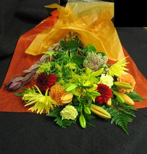 With all the colours and beauty of autumn, this bouquet is the perfect gift for anyone. Lovely for, Fall,  Rosh Hashanah or Thanksgiving.