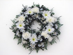 Artificial White Daisy Wreath