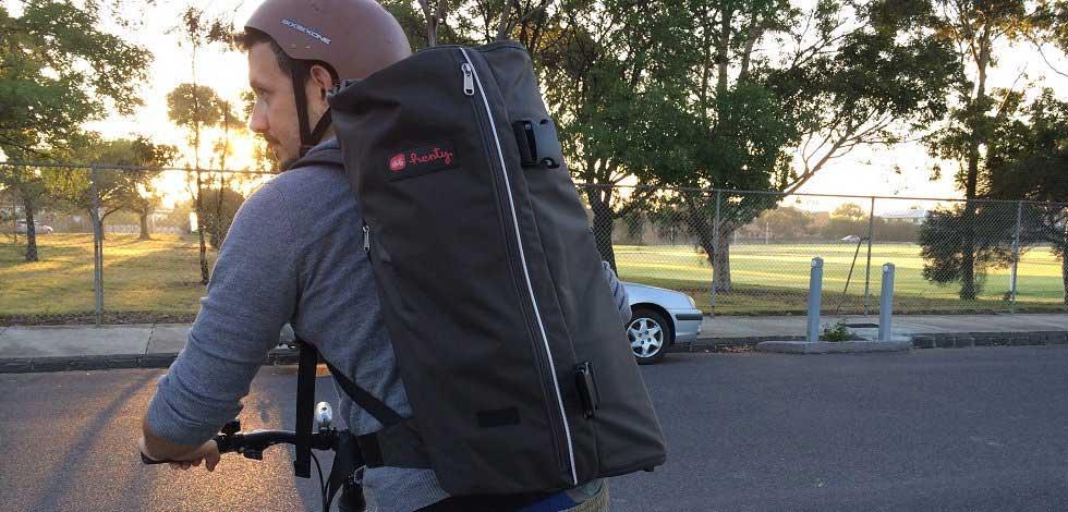 hentybackpack-grey07-bike.jpg