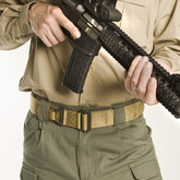 Blackhawk CQB / Rigger's Belt fits in the waist comfortably