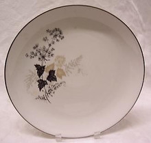 "Stonegate / Heritage Wooddale 13"" Round Chop & Cake Platter"