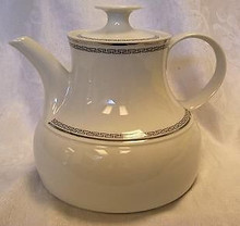 Stonegate / Heritage Bavarian Countess Tea Pot
