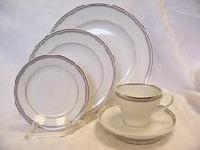 Stonegate / Heritage Bavarian Countess 5 Piece Place Setting