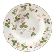 Wedgwood Wild Strawberry Rim Soup Plate 8""