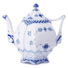 Royal Copenhagen Blue Fluted Full Lace Teapot 34 oz. (1103141)