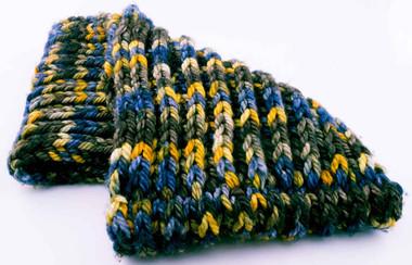Unhinged Cowl Knitting Pattern