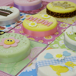 gluten-free-gift-cakes.jpg