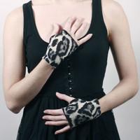 Grey Leopard Wool Fingerless Gloves